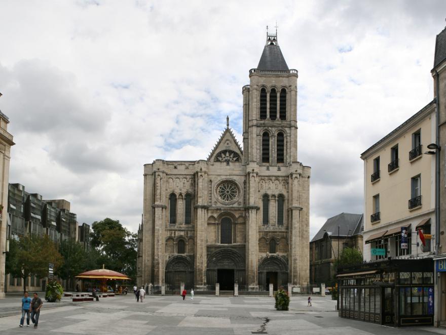 """Le """"remontage"""" de la flèche de la basilique de Saint-Denis est lancé"""
