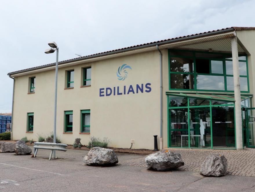 Tuiles terre cuite : un outil de production de pointe et un marché dynamique pour Edilians