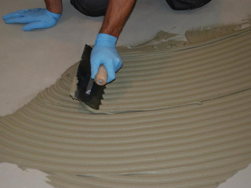Colles pour revêtements de sols : le nouvel enjeu est environnemental