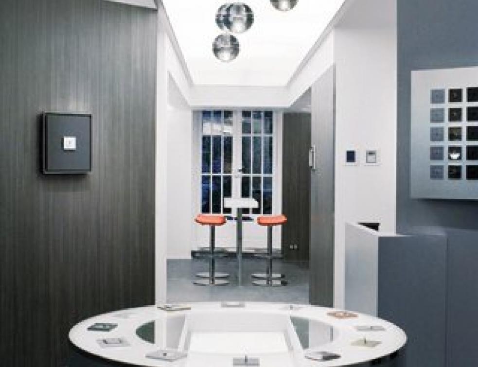appareillage lectrique crin haut de gamme pour legrand. Black Bedroom Furniture Sets. Home Design Ideas