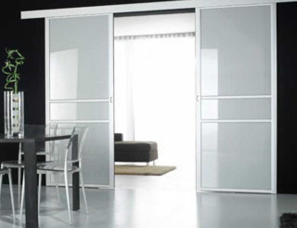 menuiseries coulissantes des astuces du sol au plafond solutions. Black Bedroom Furniture Sets. Home Design Ideas