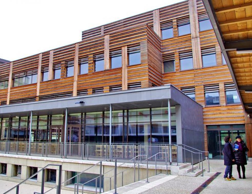 Reconstruction innovante d'un lycée à Asnières (92)