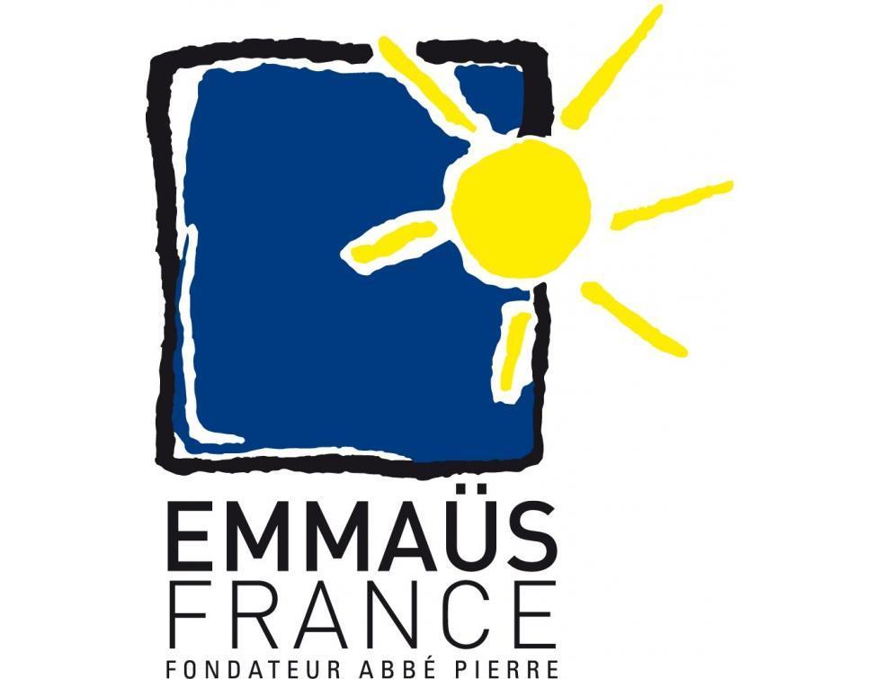 Emmaüs installe son premier mobil-home autonome à Marseille