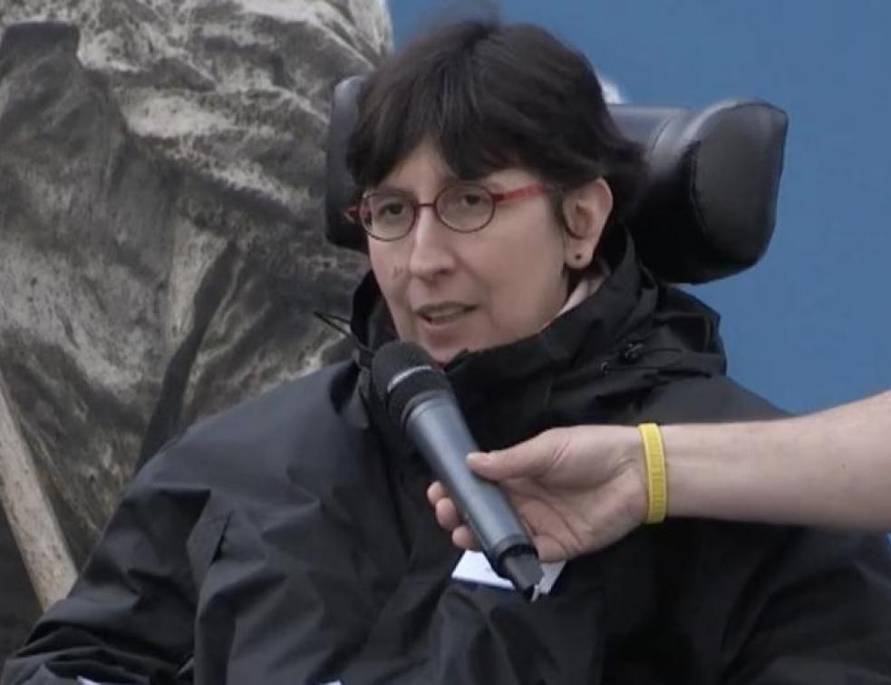 Loi Elan: des handicapés en colère stoppent un convoi de l'A380