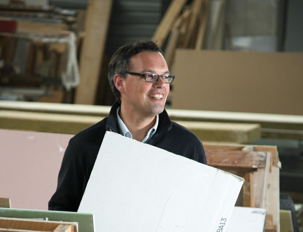 Sylvain Delabrosse lutte contre le poids excessif des plaques de plâtre