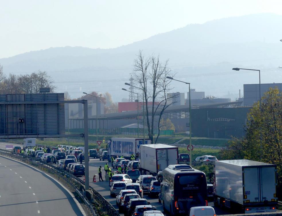 Les transporteurs routiers dénoncent une surfacturation des trajets sur autoroutes