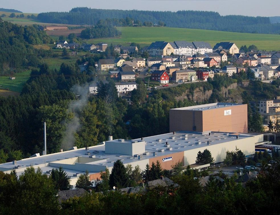Tarkett va fermer deux usines au Canada