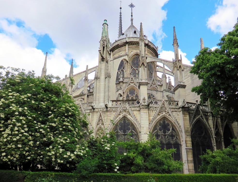 Notre-Dame : 1.000 experts appellent à éviter la