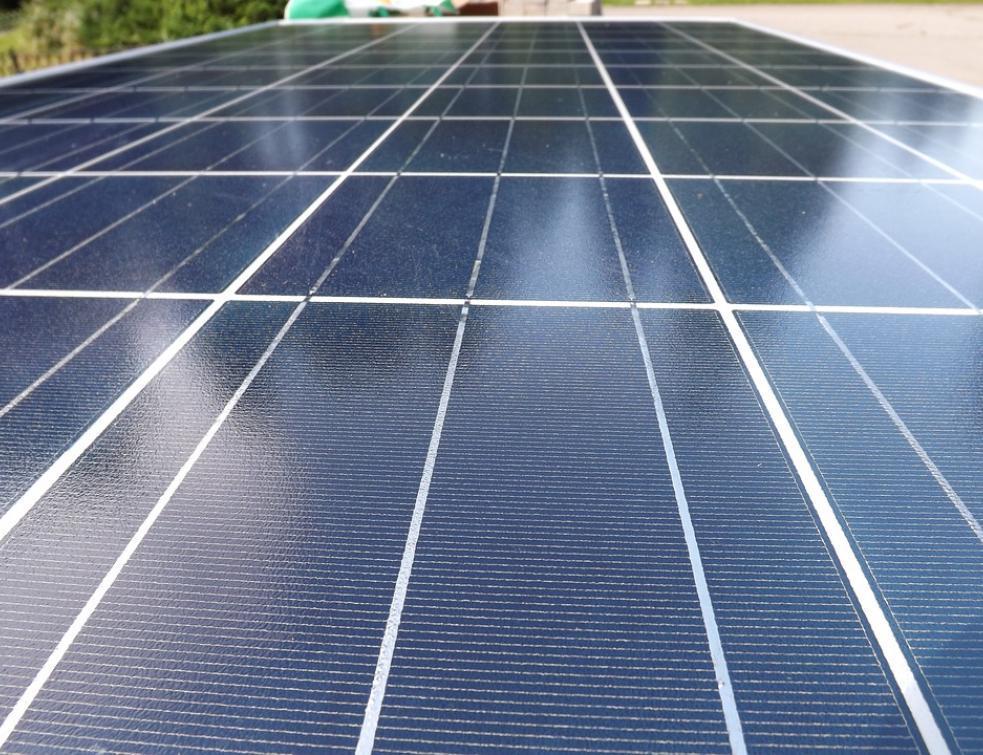 Larzac: les promoteurs d'un parc photovoltaïque veulent rassurer les agriculteurs