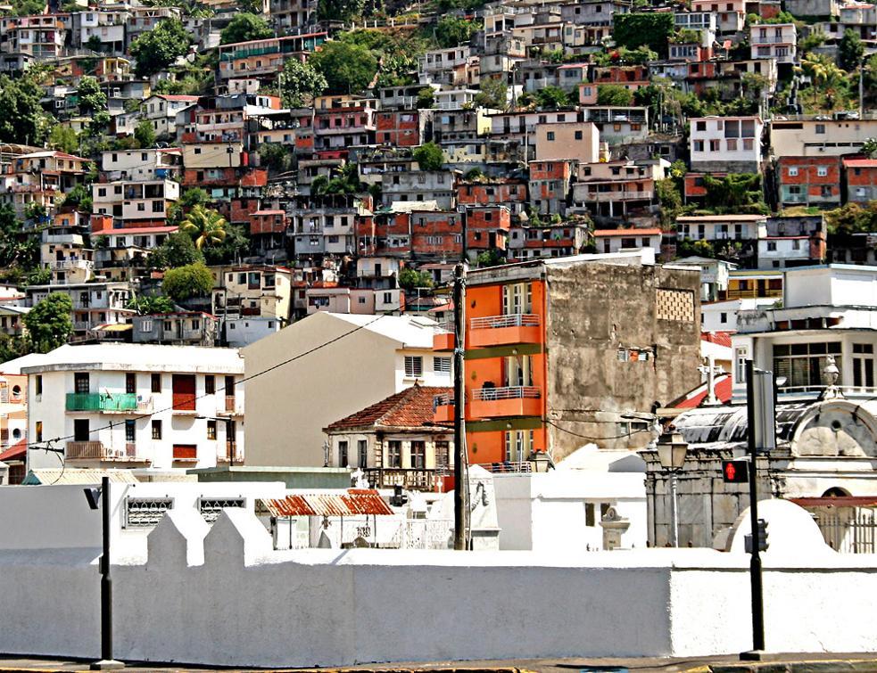 Le gouvernement lance un plan pour le logement en Outre-mer