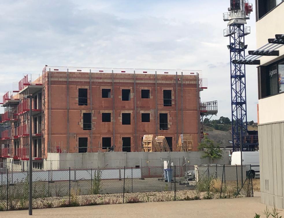 Les permis de construire des logements rechutent