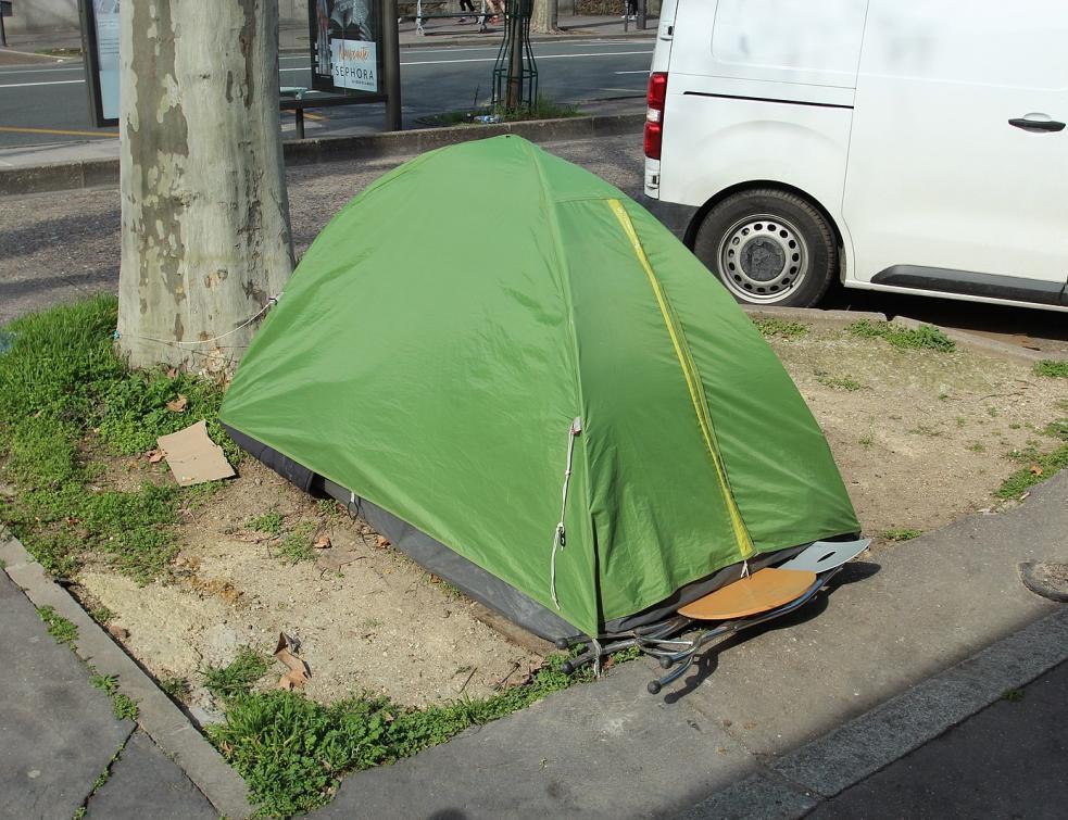 Le gouvernement annonce plus de moyens pour aider les sans-abris en 2020