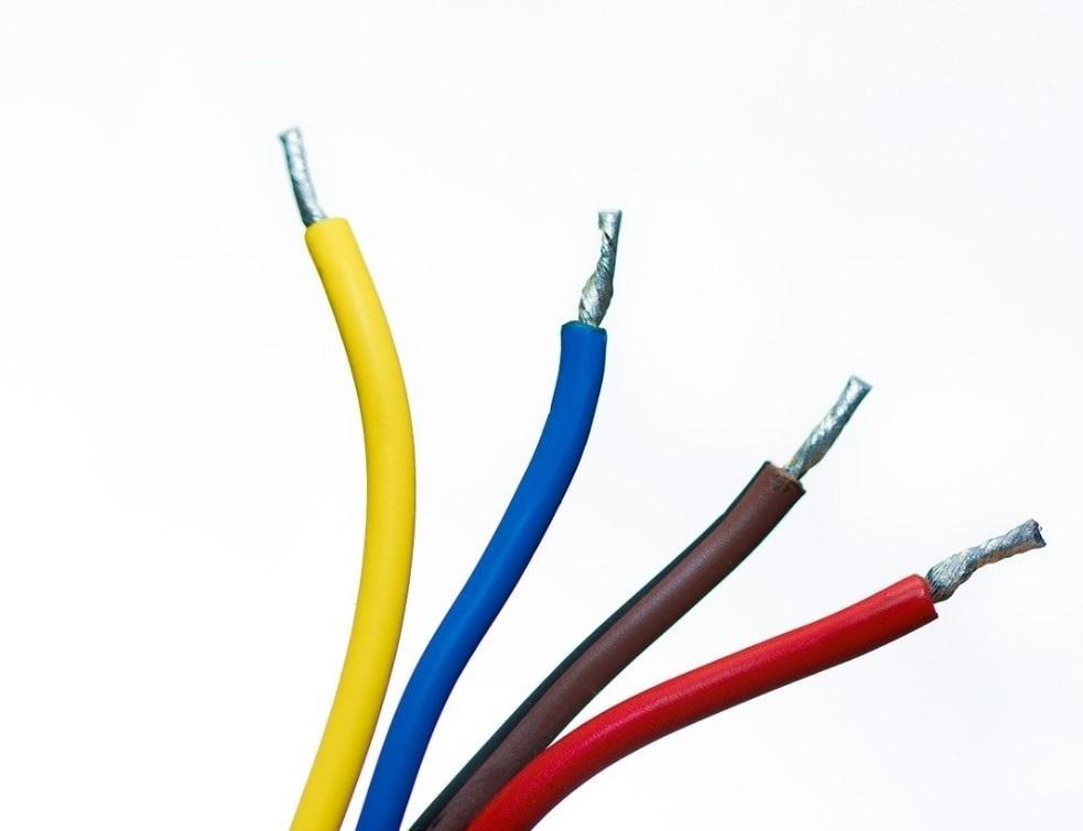 Focus sur l'installation électrique en apparent