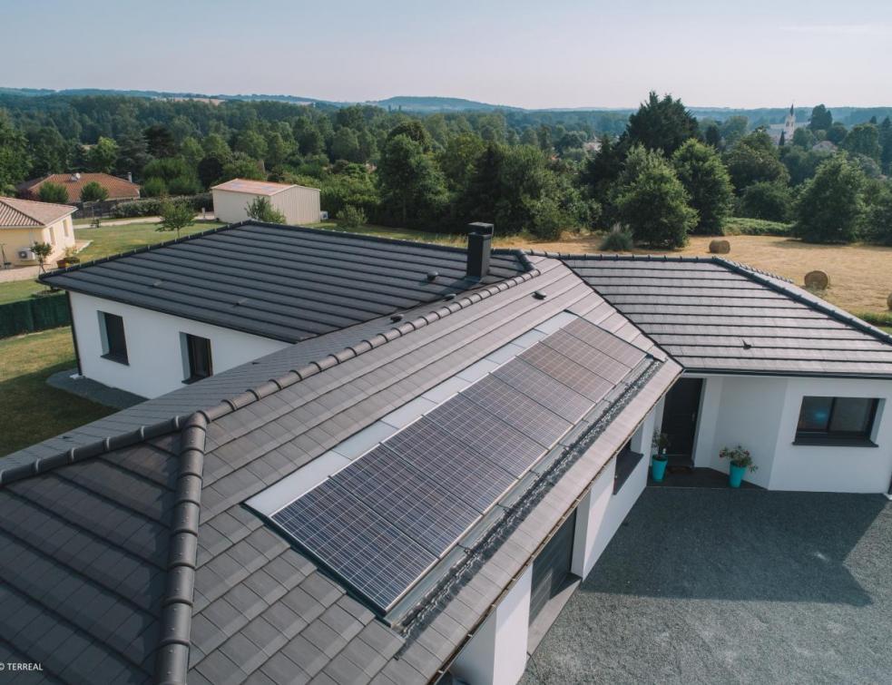 Terreal vise une croissance à deux chiffres dans le solaire résidentiel