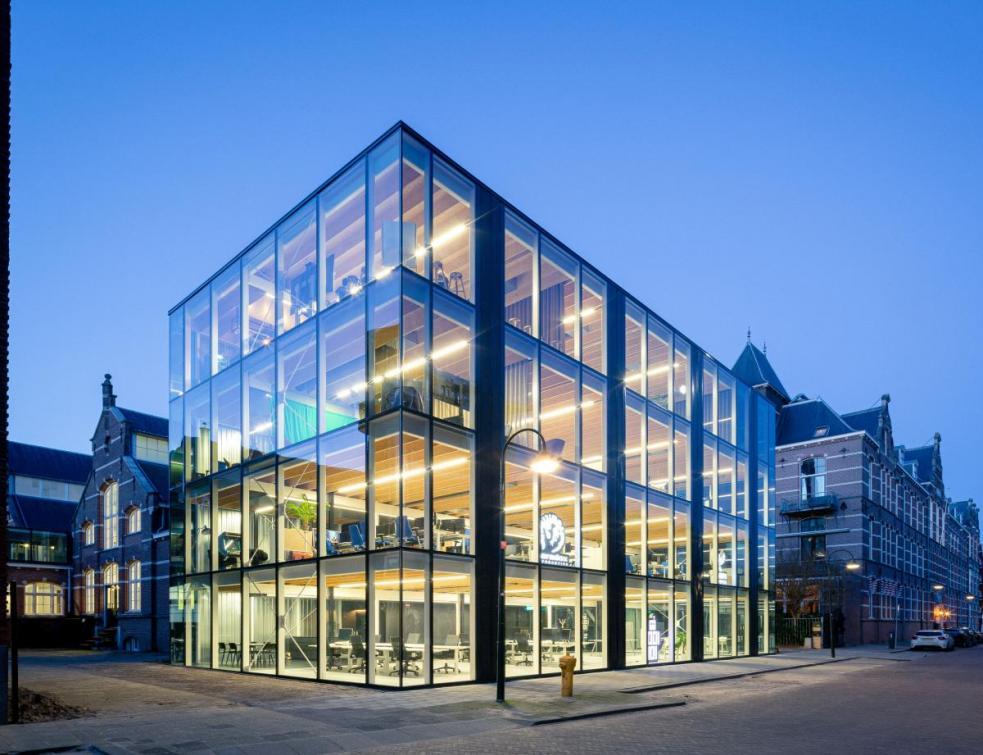L'invention du bureau circulaire ou comment construire des bureaux démontables