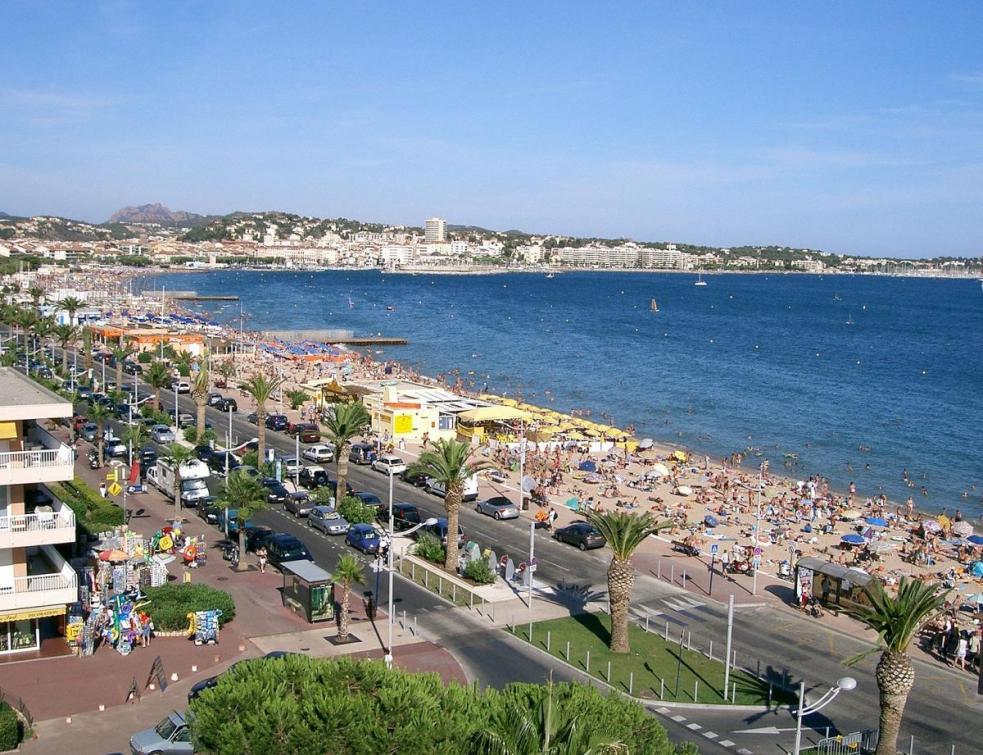 L'artificialisation et le tourisme abiment les dunes et plages de Méditerranée
