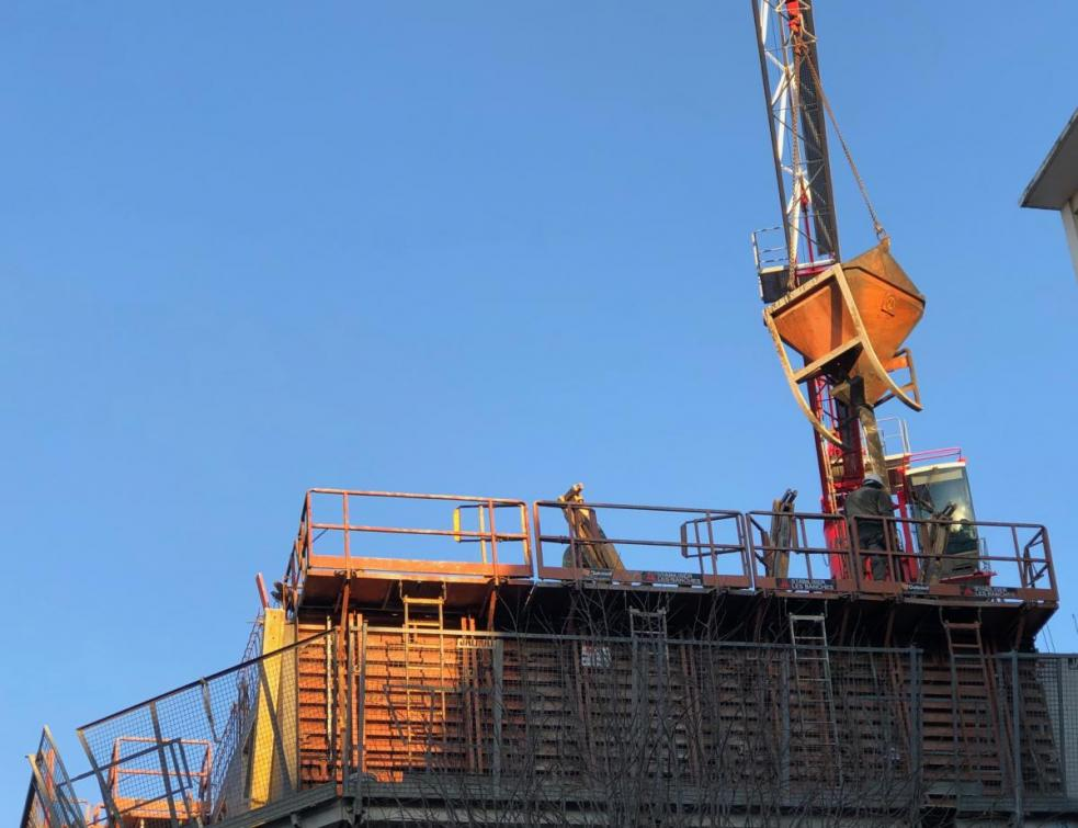 Le gouvernement parie sur une reprise totale des chantiers d'ici fin mai