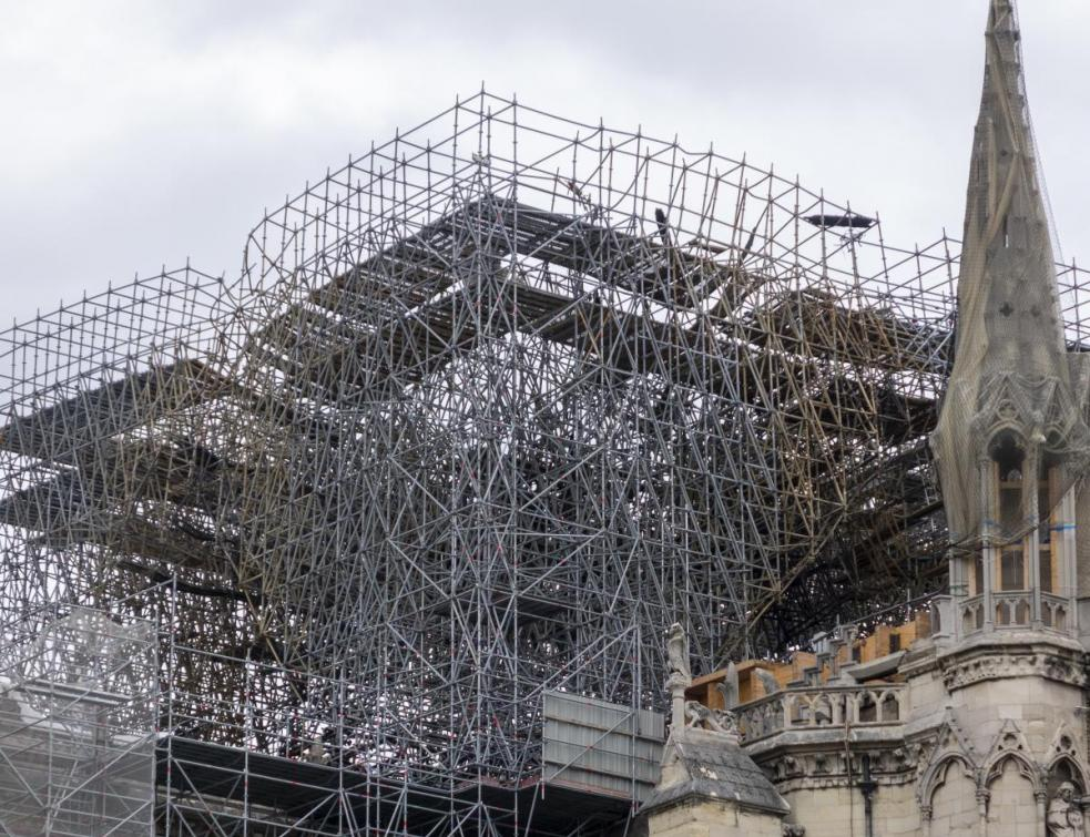 Notre-Dame de Paris: début du démontage de l'échafaudage