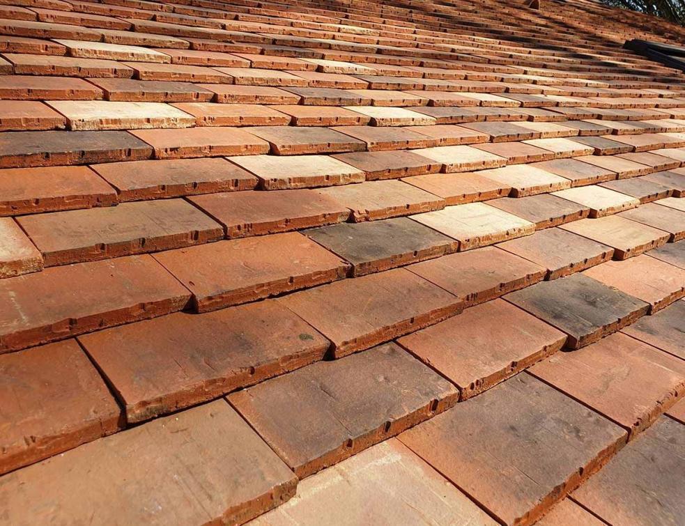 Sublimez votre toiture avec la tuile plate ELIXIR