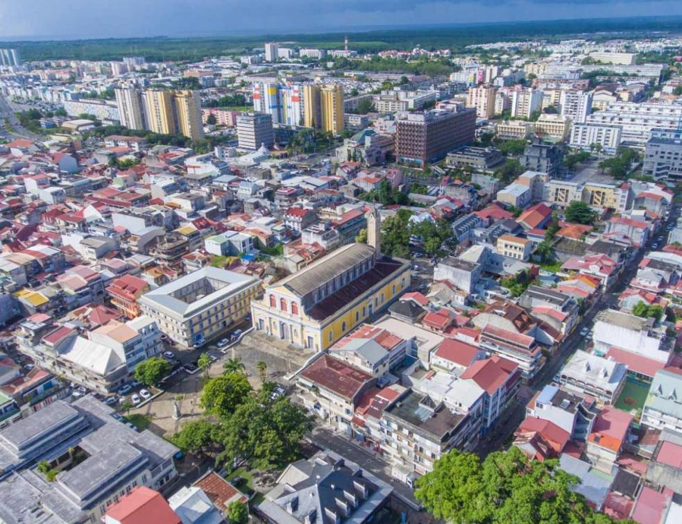 La Cour des comptes regrette une politique du logement mal adaptée en outre-mer
