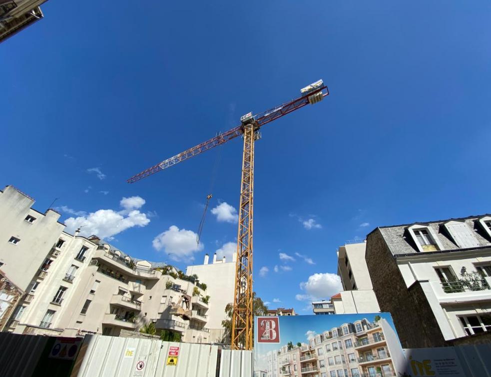 Construction de logements: amélioration en août mais un fort recul des permis