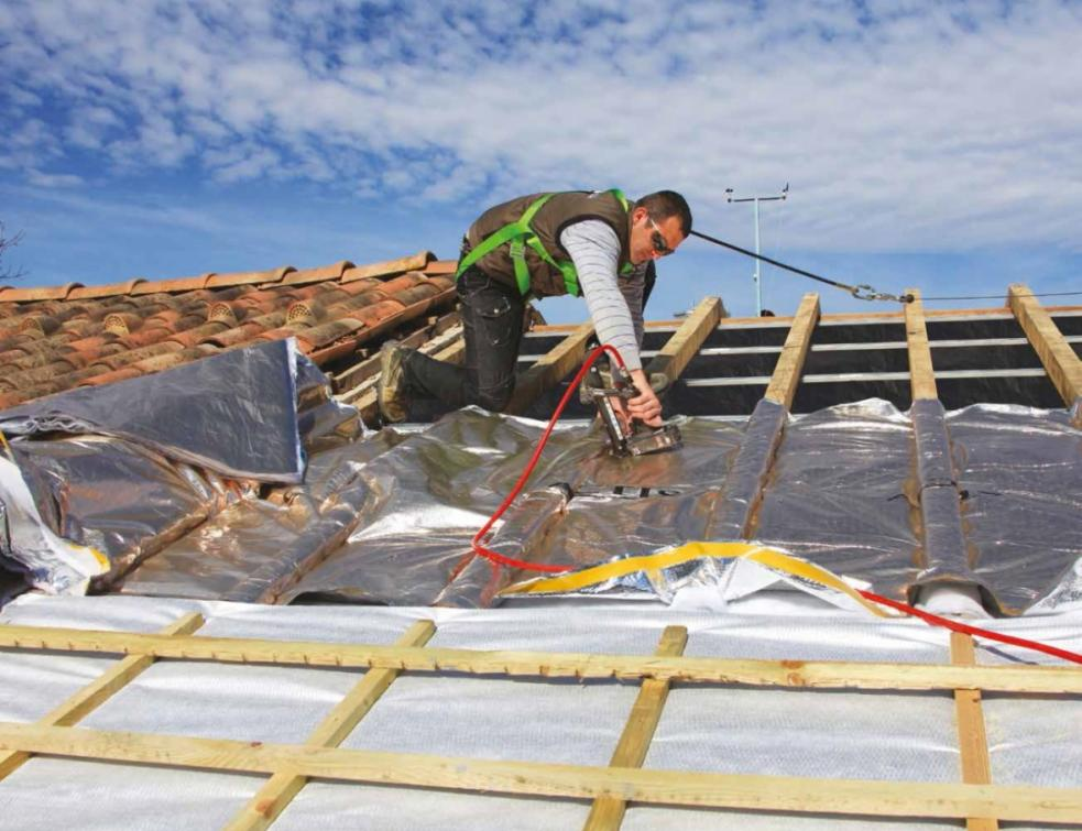 TRISO-SUPER 12, la solution d'isolation 3 en 1 idéale en toiture par l'extérieur