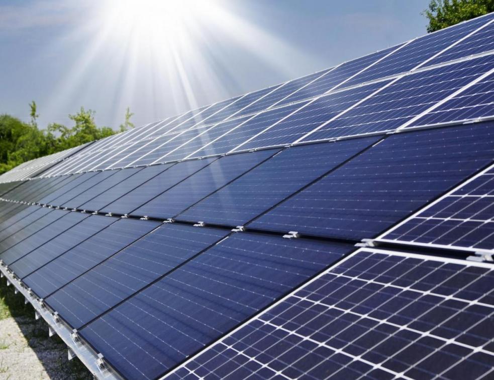 Energie solaire: le gouvernement va baisser les aides aux parcs solaires