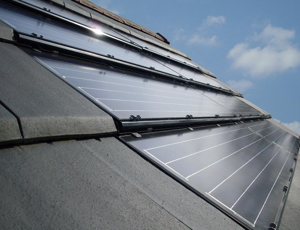 La tuile solaire max : Une solution photovoltaïque esthétique et évolutive !