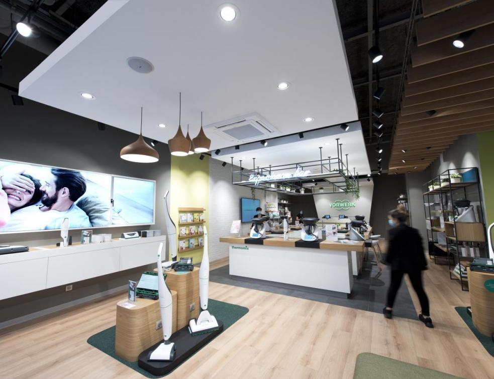 Le Rockfon® Mono® Acoustic s'installe sur les plafonds des boutiques Vorwerk