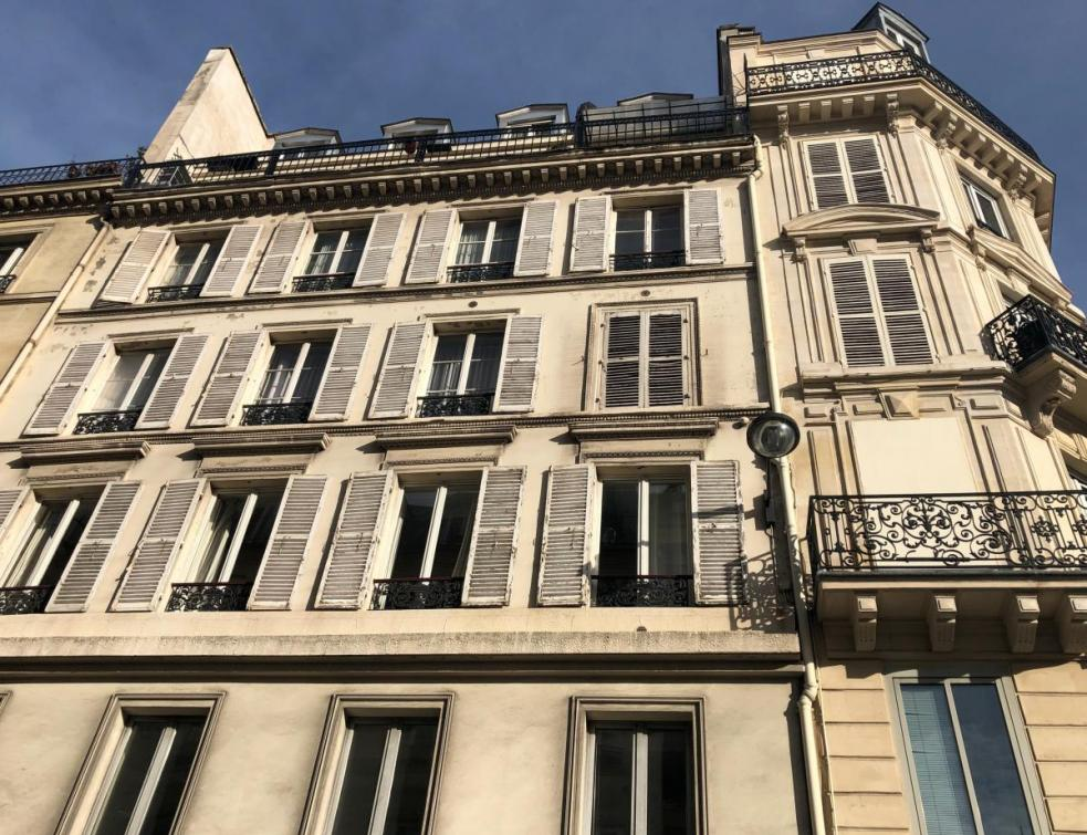 Encadrements à Paris: les loyers supérieurs au plafond en baisse de 3 %