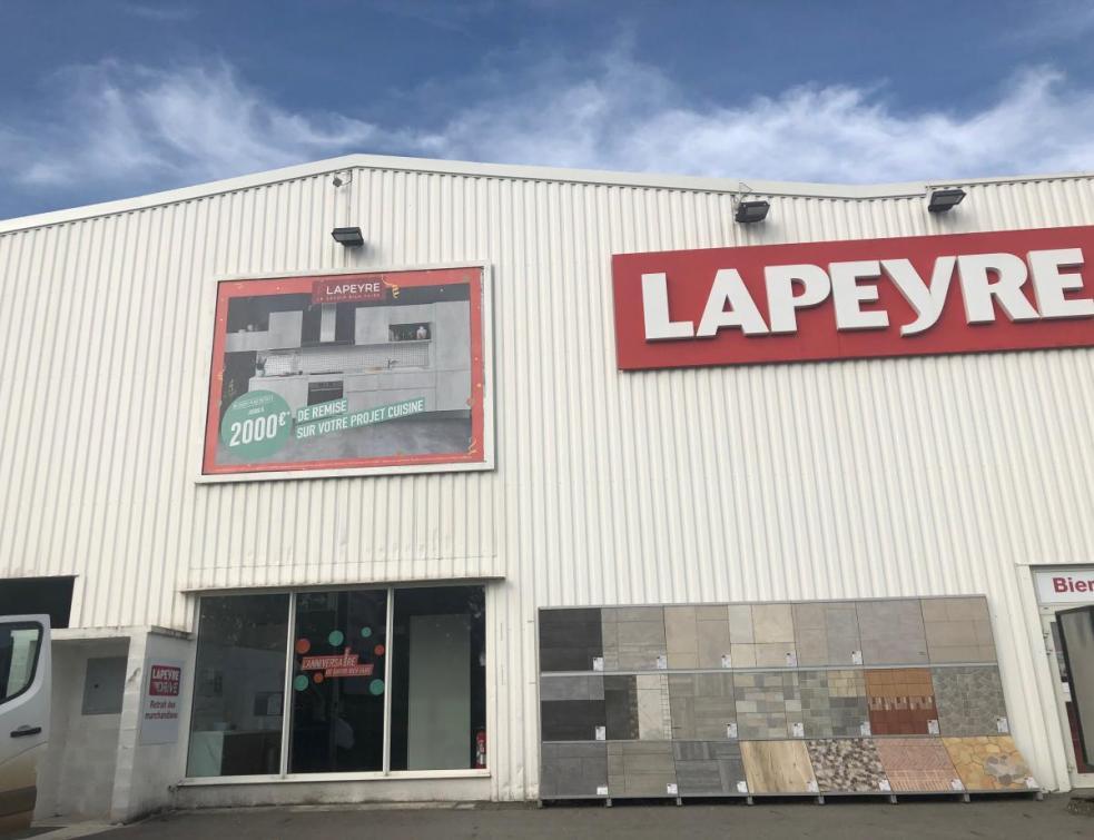 Lapeyre: décision le 1er juin sur l'homologation de la cession