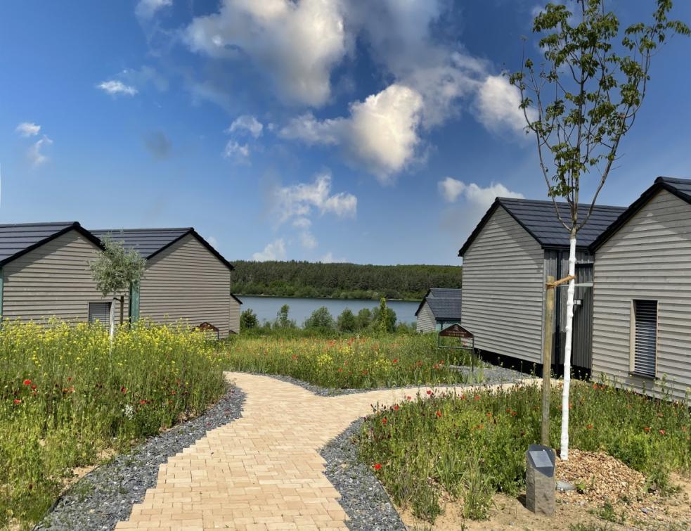 Projet de construction écologique –  le village de vacances en construction bois MANOAH